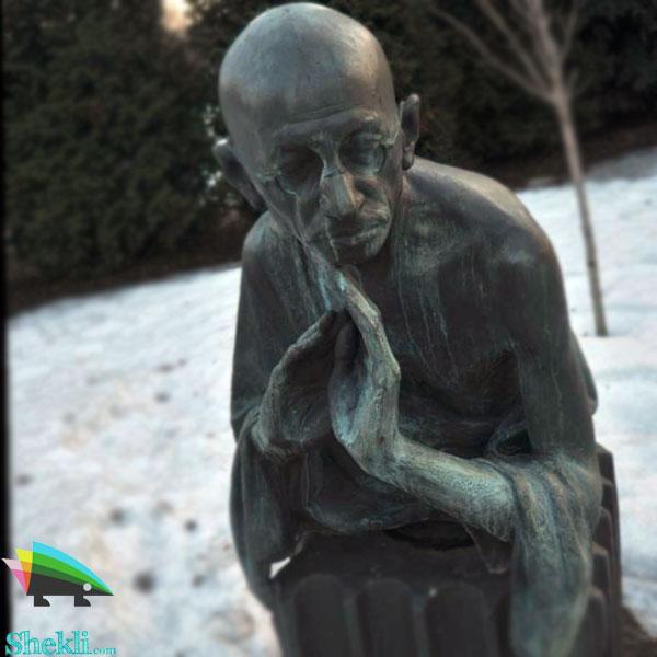 مجسمه گاندی