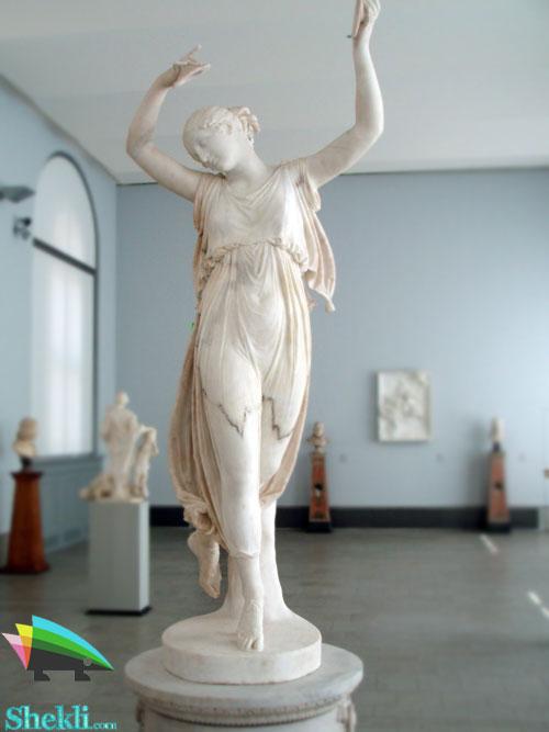 مجسمه رقاص